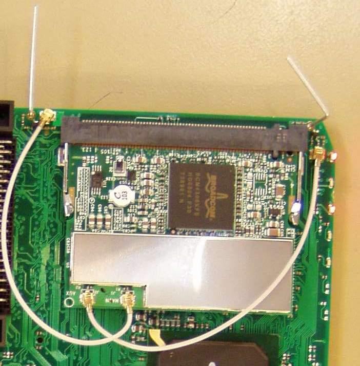 WIFI GSM antennes relais - principe de précaution Livebox_pas_sagem_2_antennes